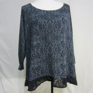 FRENCH LAUNDRY 1X BLACK PRINT TOP WITH LACE